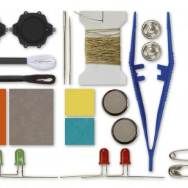 553013_sewingcircuits_contents.jpg